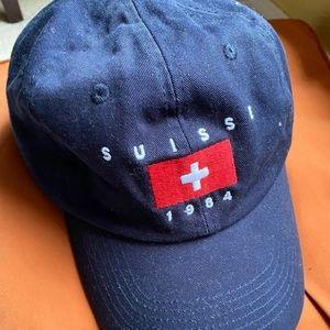 Brandy Melville suisse hat
